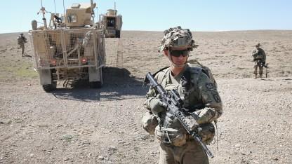 Googles Datenbrille Glass könnte demnächst in der US-Armee zum Einsatz kommen.