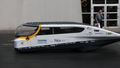 Solarauto Stella: erstes Familienauto, das mit Solarenergie fährt