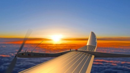 Unbemanntes Solarflugzeug (Symbolbild): fliegende Relaisstationen übertragen per Laser