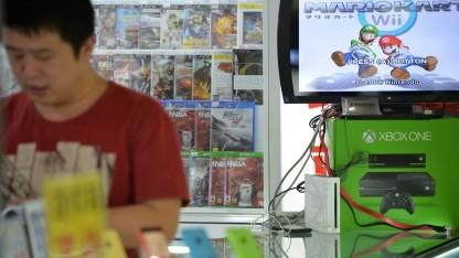 Spieleladen mit Xbox One in Schanghai, Januar 2014