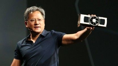 Jen-Hsun Huang hält die Geforce GTX Titan Z hoch.