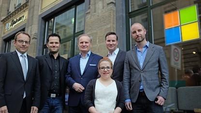 Sebastian Muschter (McKinsey & Company), Thorsten Hübschen (Microsoft Deutschland), Lothar Seiwert (Autor), Ninia Binias (Bloggerin), Richard Gutjahr (Blogger) und Markus Albers (Autor) stellen das Manifest in Berlin vor (v.l.n.r.).