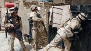 US-Soldaten bei einer Razzia in Bagdad im Juni 2005