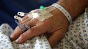 Eine Patientin in einem englischen Krankenhaus