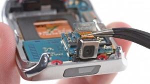 Smartwatch Samsung Gear 2 in Einzelteilen