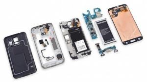 Das Samsung Galaxy S5 zerlegt