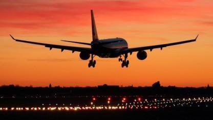 D-ABXA bei der Landung in Berlin, Flughafen Tegel