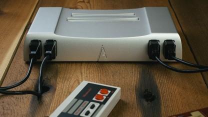 Die Analogue Nt aus Aluminium kann NES- und Famicom-Spiele abspielen.