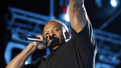 Dr. Dre im Jahr 2012 auf der Bühne