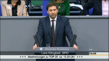 Der SPD-Abgeordnete Lars Klingbeil bedankte sich ausdrücklich bei den ehrenamtlichen Datenschützern.