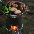 Biolite Basecamp Stove: Grillen und Gadgets aufladen mit dem Feuertopf