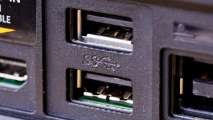 Die beiden USB-3.0-Ports auf der Rückseite der Xbox One