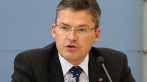 Roderich Kiesewetter verlässt den NSA-Ausschuss.