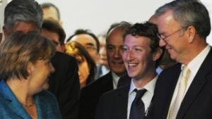Könnten sich bald vor dem NSA-Ausschuss in Berlin treffen: Bundeskanzlerin Angela Merkel, Facebook-Chef Zuckerberg und Google-Chef Schmidt (v.l.n.r.)