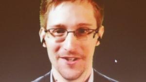 Edward Snowden bei einer Live-Schaltung mit Amnesty International im April 2014