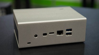Das NUC-Gehäuse mit 2,5-Zoll-SSD-Slot.