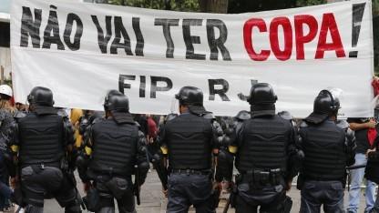 Nicht nur auf der Straße, auch im Netz gibt es Proteste gegen die WM.