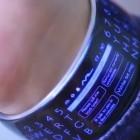 Momentum Moment: Smartwatch mit Rundum-Bildschirm und Qwerty-Tastatur