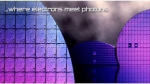 Mit kleinen Projektoren aus LED-Wafern für Smartphones kann Ostendo dreidimensionale Hologramme erzeugen.