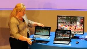 Intel-Präsidentin Renee James zeigt neue 2-in-1s auf der Computex 2014.