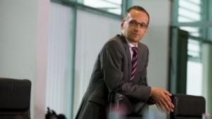 Bundesjustizminister Heiko Maas posiert für die Medien.