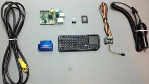Ein paar Kabel, den Raspberry Pi und eine Steuerung: Mehr braucht es zur Fahrzeugdiagnose nicht.