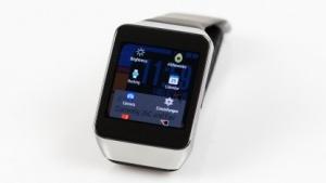 Eine Android-Wear-Smartwatch lässt sich mit zahlreichen Apps und Diensten aufwerten.