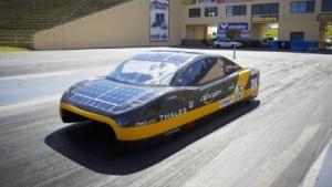 Solarauto Eve: kombinierte Reichweite von 800 km
