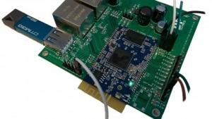 Das DPT Board, in Blau das Atheros-Modul
