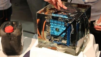 """""""Unterwasser-PC"""" in Parafin"""