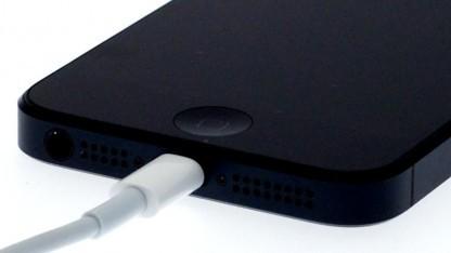 Apple bietet den Austausch von einigen Akkus des iPhone 5 an.