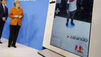 Merkel bei Zalando-Samsung-Präsentation auf der Cebit 2014