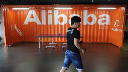 Alibaba-Angestellter im Firmenhauptquartier in Hangzhou