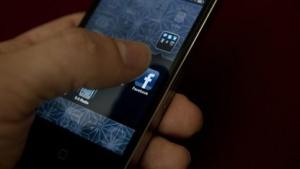 Facebook-Nutzer wehren sich gegen die Umstellung auf den Messenger mit schlechten Bewertungen.