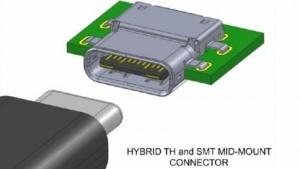 In der Buchse von USB Typ C sitzt ein doppelseitiger Platinenstecker.
