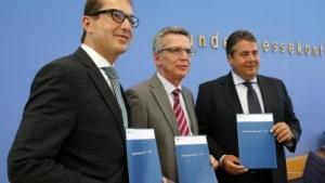 Die Digitale Agenda ist ein Produkt von drei Ministern: Alexander Dobrindt, Thomas de Maizière und Sigmar Gabriel (vlnr.).