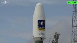Die Sojus-Rakete mit den beiden Satelliten vor dem Start