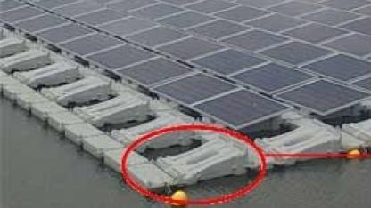 Schwimmende Solaranlage: vollständig wiederverwertbarer Kunststoff