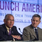 Nasa: Boeing und SpaceX sollen Raumschiffe für die USA bauen