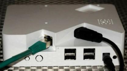 Das Plusberry Pi ist ein Gehäuse für das Raspberry Pi samt Platine für eine SATA-Platte.