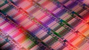 CPUs, hier ein Wafer mit Xeons, bestehen u. a. aus seltenen Rohstoffen.