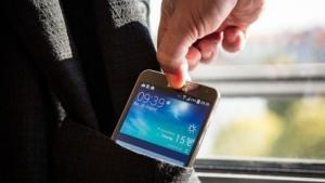 Der Diebstahl eines Smartphones kann weitreichende Konsequenzen haben.
