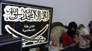 Propaganda, Rekrutierung von Attentätern und Radikalisierung ist für Extremisten im Netz nicht sehr aufwendig.