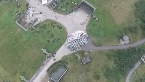 Aus einem Video, das eine Drohne über den Studios aufgenommen hat, in denen Star Wars Episode VII gedreht wird