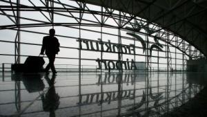 Auch am Frankfurter Flughafen könnten bald US-Beamte im Einsatz sein.