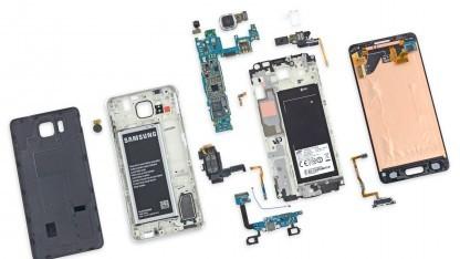 Das iFixit-Team hat das Galaxy Alpha von Samsung auseinandergenommen.