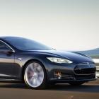 Tesla: Model S mit Allrad fährt rasant und holt den Fahrer ab