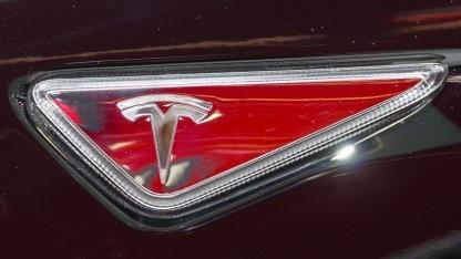 Tesla Motors: nur Komponenten genehmigt