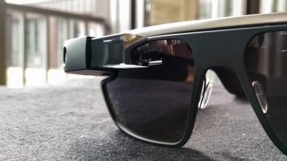 Die Google Glass, hier als Sonnenbrille