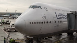 Lufthansa-Passagierflugzeug in Frankfurt